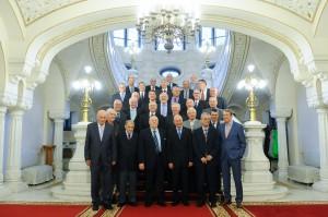 Alle Weltmeister mit Präsident Basescu im Stiegenhaus